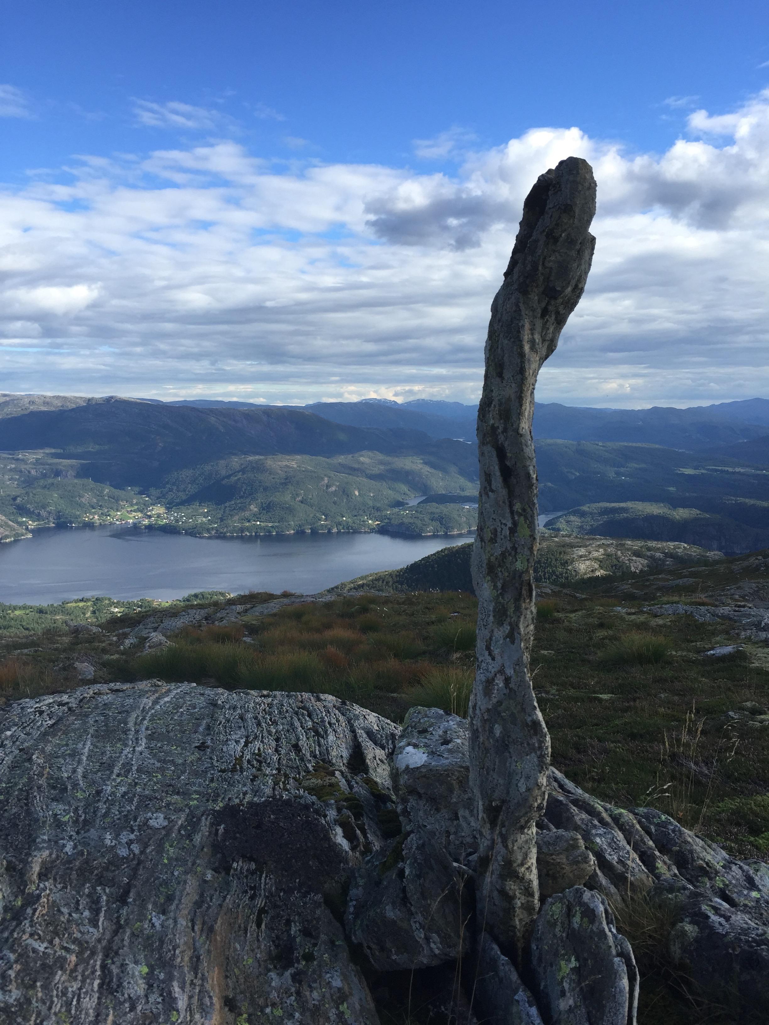 Husdalsfjellet, Lindås
