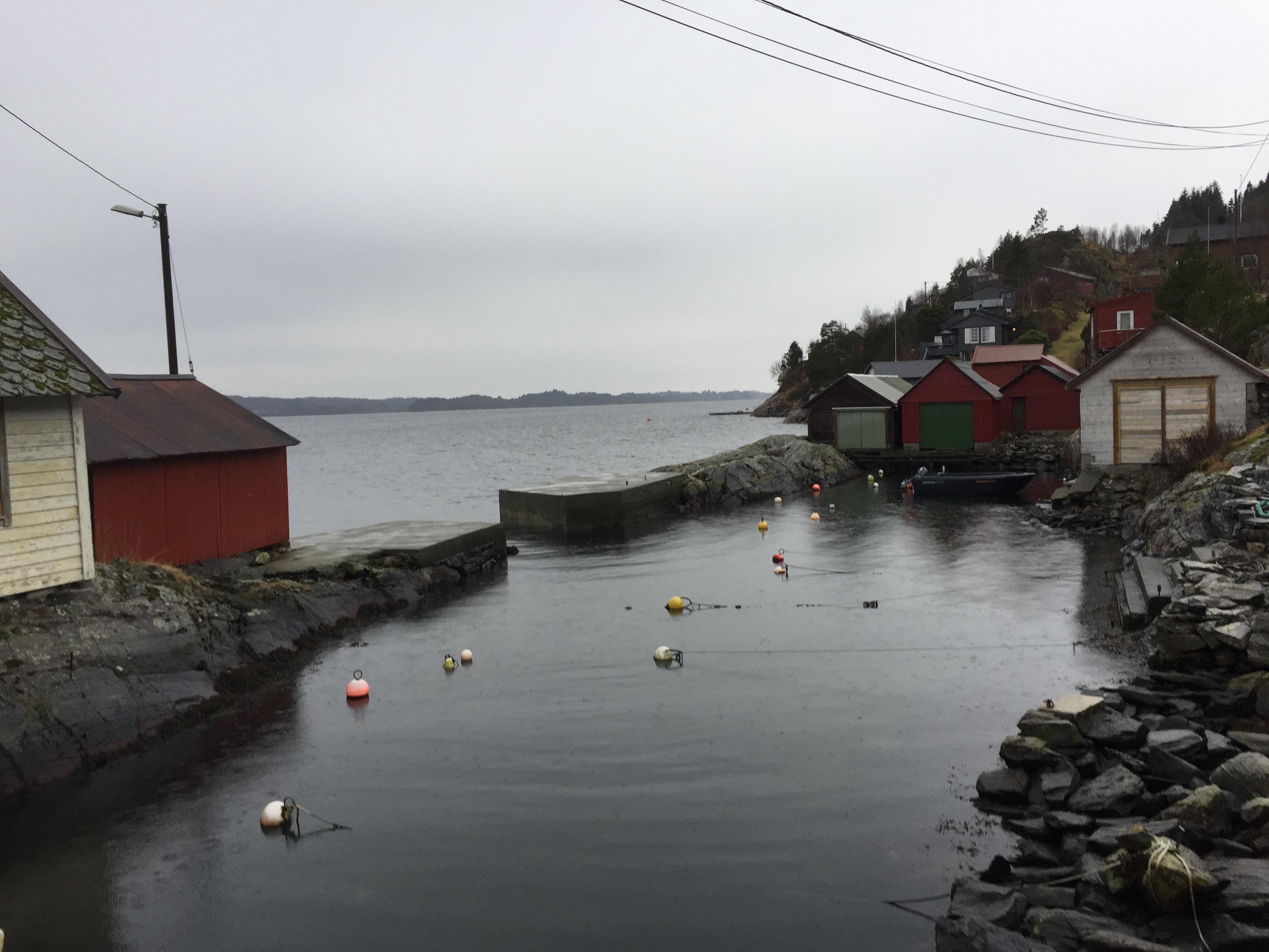 Nesfossen-Hundvin, Lindås